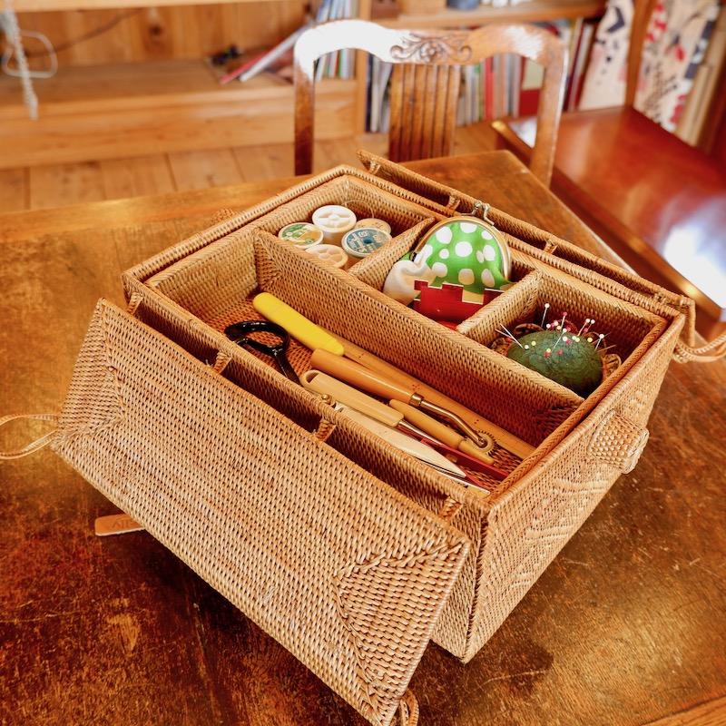 裁縫2点セット Mサイズ (PNC164) Rosily(ロージリー) バリ島 アタかご雑貨 ピクニック コスメ 茶籠 裁縫箱