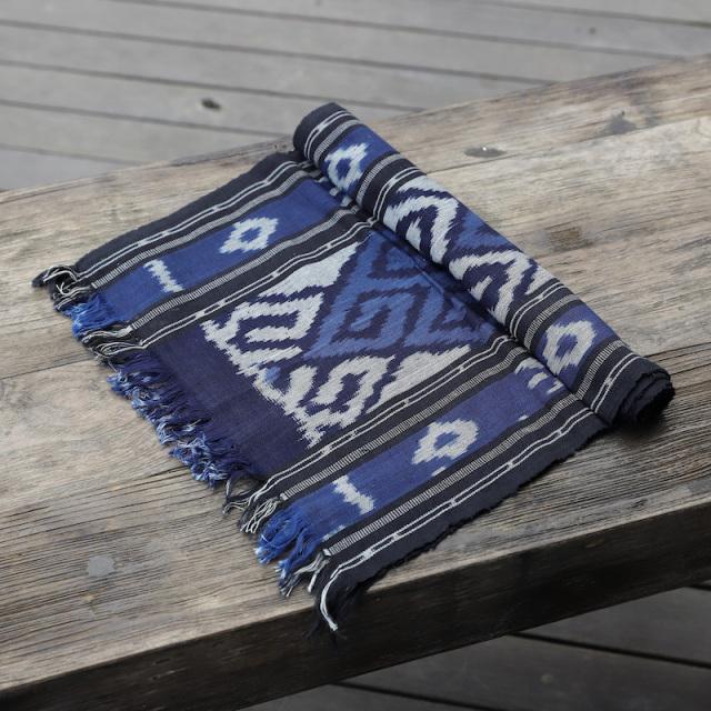 ジャワイカット(インドネシア絣・綿100%・機織り) (NRA932-03)  Rosily(ロージリー) バリ島 布 テーブルクロス