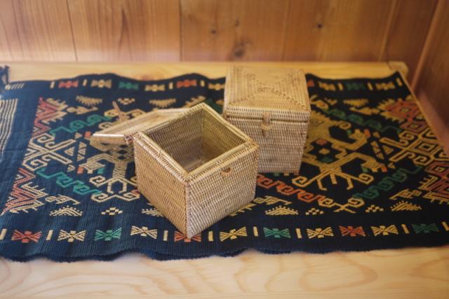 Rosily(ロージリー) バリ島 アタかご雑貨 キューブ形蓋付き ハイクオリティ (BOX354)