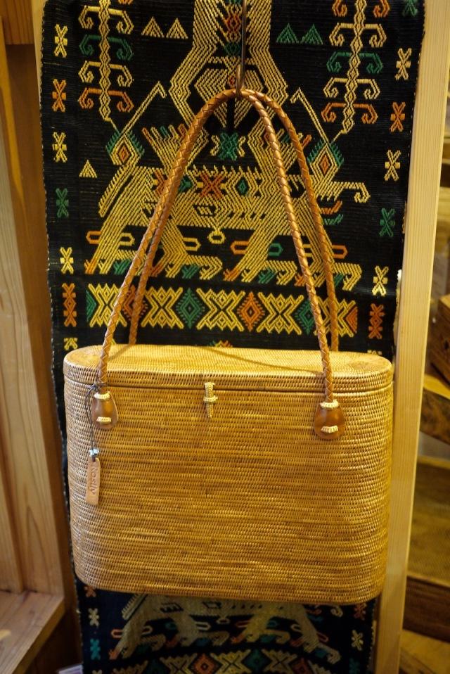 楕円スーパー蓋付革持手深型Lサイズ (SAB134)  Rosily(ロージリー) バリ島 高級 極細編みアタかごバッグ 浴衣や着物にも