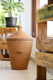 Rosily(ロージリー) バリ島 アタかご雑貨 壷型尖り蓋付きLL (DST205)