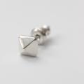 ピラミッドスタッズ ピアス/ Pyramid Stud Earring