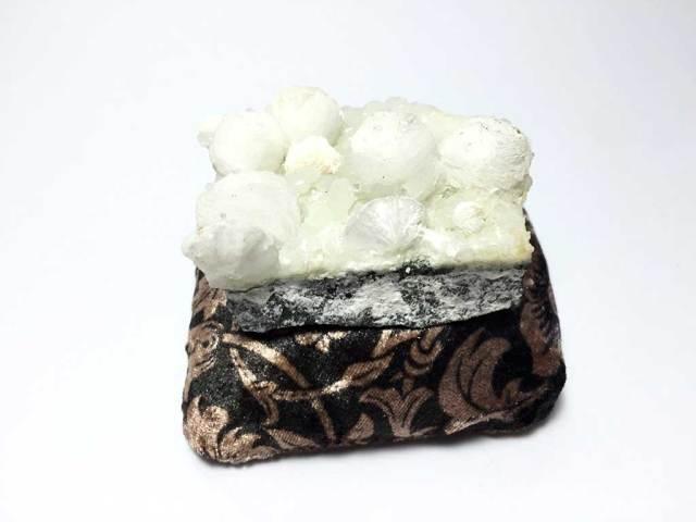 ジャイロライト(ギロル石)Gyrolite