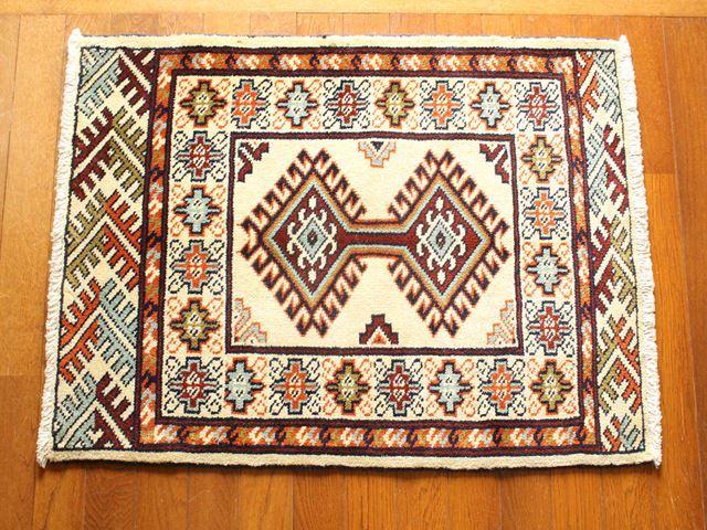 【値下げしました!】【送料無料】トルキャマン絨毯(玄関マットサイズ中) 19