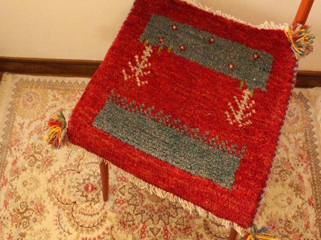 ギャッベ(正方形ミニサイズ) 遊牧民のじゅうたん 7566