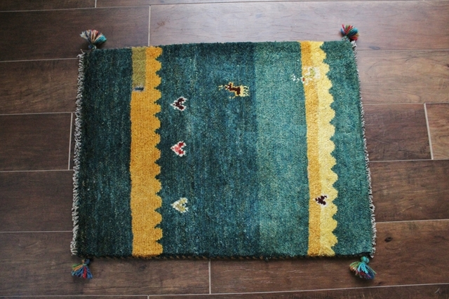 【送料無料】遊牧民のじゅうたん ギャッベ(玄関マットサイズ中 70×55cm) 9995