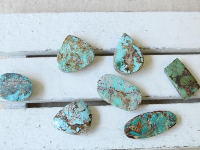 ペルシャ産ターコイズのルース(裸石)・中-2  AC407