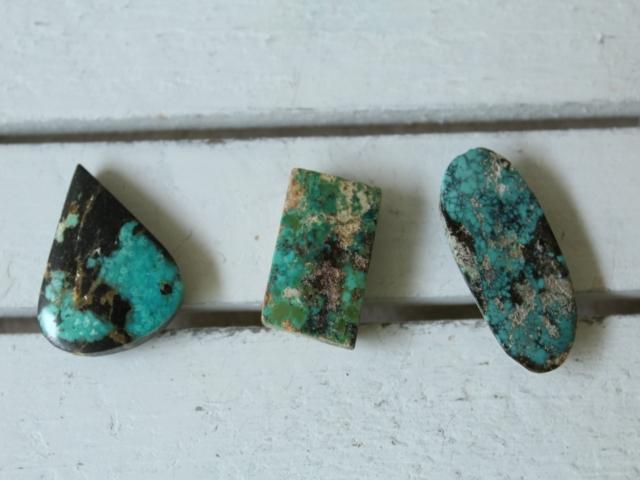 ペルシャ産ターコイズのルース(裸石)・大-2  AC409