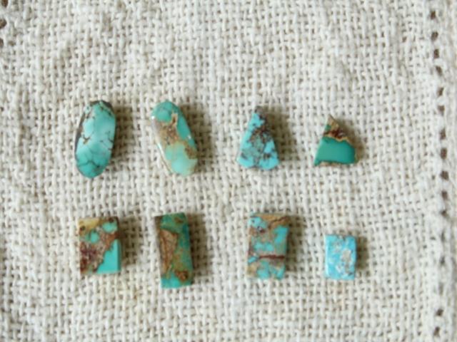 ペルシャ産ターコイズのルース(裸石)・極小-1  AC402-2