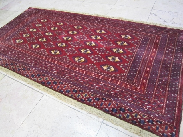 【セミ・オールド】トルキャマン絨毯(137×65cm) Y150