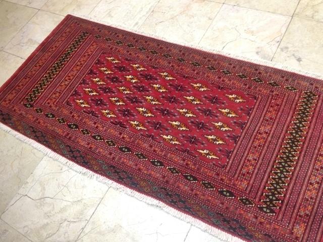 【送料無料】トルキャマン絨毯(138×65cm) Y157