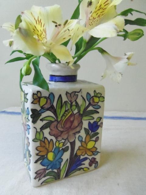 花模様 陶器の花瓶 ZA457