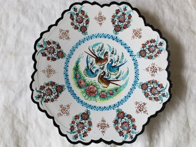 【送料無料】【伝統美術工芸品】ミーナーカーリー 鳥模様の白い皿 ZA482