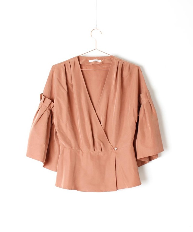 mmooii sleeve pleated blouse