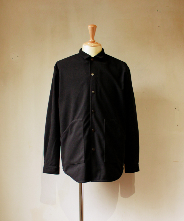 CURLY CRUST SHIRCKET black