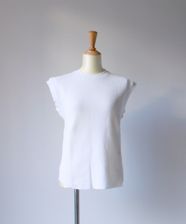 UNUSED SLEEVELESS WAFFLE T-SHIRT white