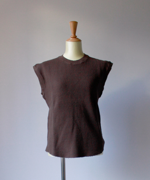 UNUSED SLEEVELESS WAFFLE T-SHIRT brown