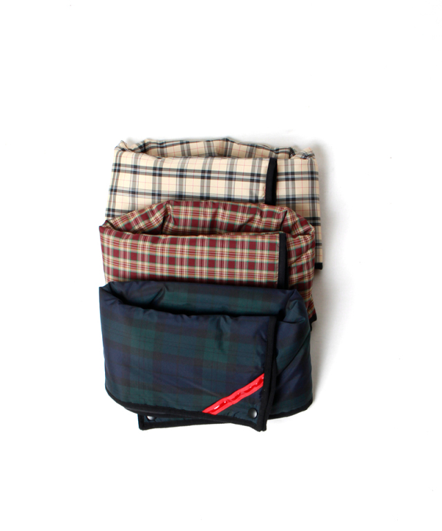 PHINGERIN SQUARE WARMER PLAID