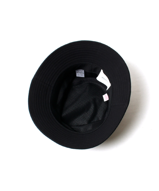 LAUGH & BE CORE LOGO HAT black