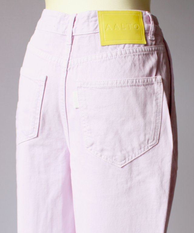 AALTO WIDE DENIM TROUSER WITH FRONT PLEAT violet