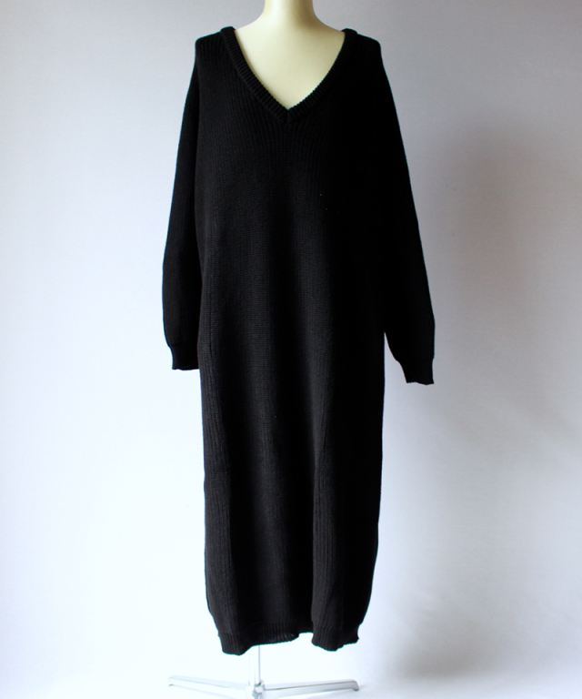 BASERANGE DANUBE V NECK DRESS black