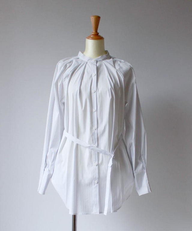 Uhr STRRIPED TUCK SHIRTS white