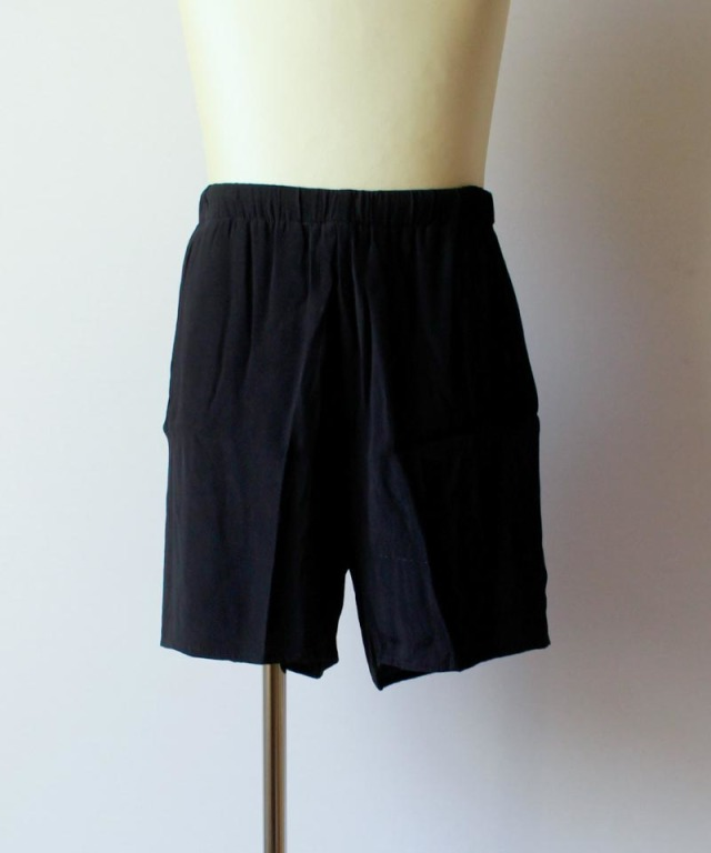 bukht HAND EMBROIDERY E/S SHORTS black