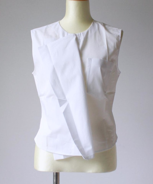 AALTO SLEEVELESS SHORT DOUBLE PANELLED TOP white