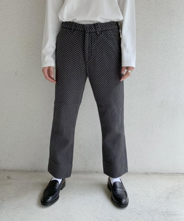 KUON SLIM PANTS GREY