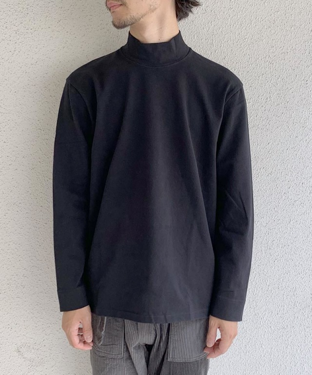 CURLY STATIC LS MOCK NECK BLACK