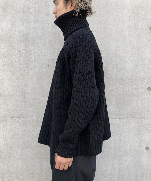 O project KNITTED TURTLE NECK BLACK