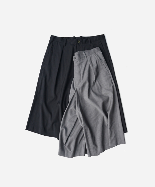 POLYPLOID WIDE TACK SHORT PANTS C