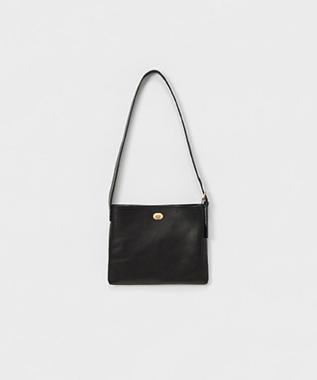 Hender Scheme twist buckle bag S black