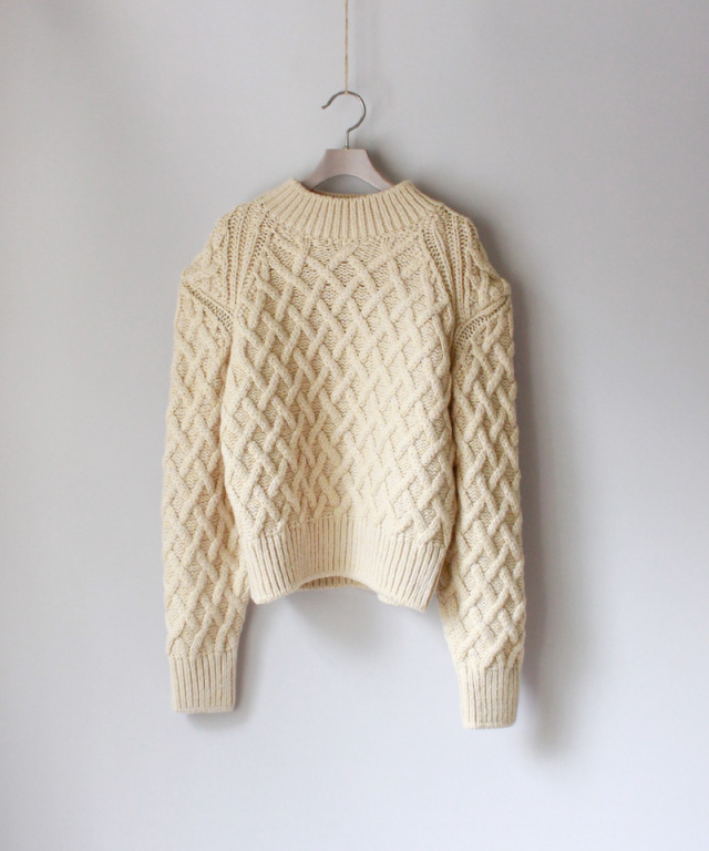 PHOTOCOPIEU SQUARE SHOULDER PULLOVER CREME