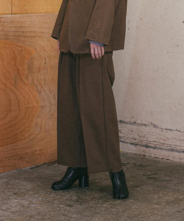 saby TUCK BAGGY-HARD TWISTED YARN CLOTH- MOCA