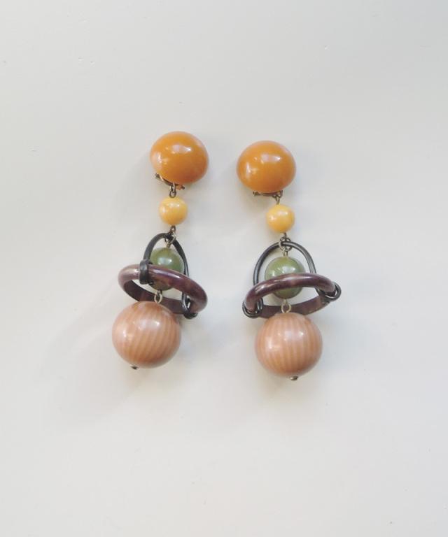 France vintage vintage bakelite motif earring