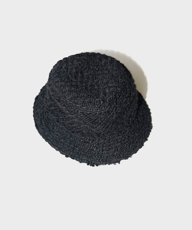 LAUGH & BE V.BOA HAT BLACK