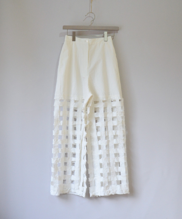 ERiKO KATORi Tape embroidery pants