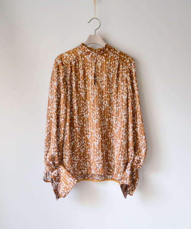 mame Flower Hand-Printed Crepe Blouse BROWN