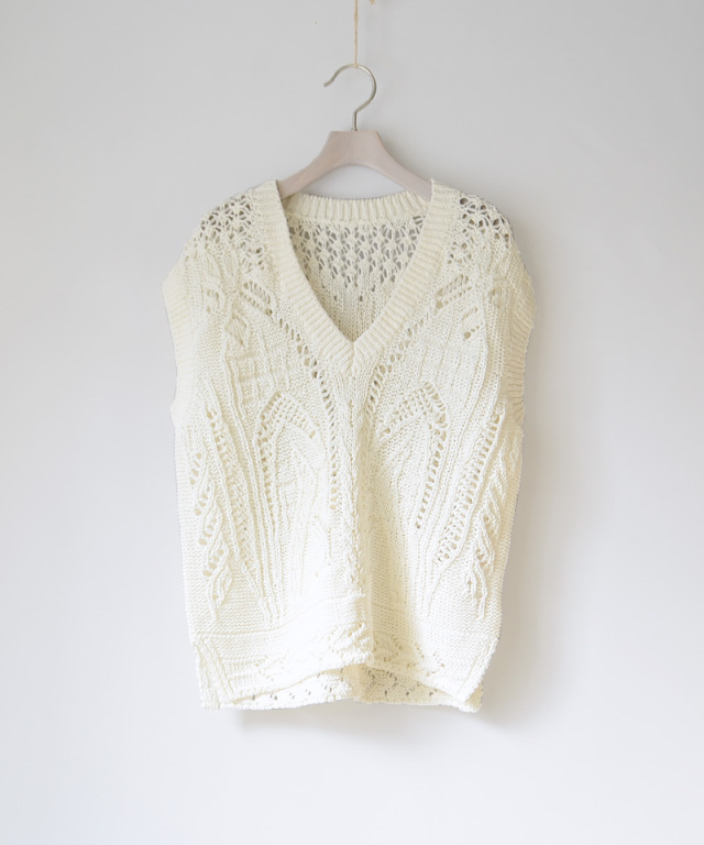 mame kurogouchi Curtain Lace Pattern Knitted V Neck Vest
