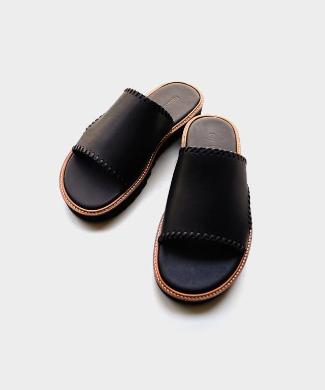 DAIRIKU Wyatt Hand Stitch Leather Sandal black