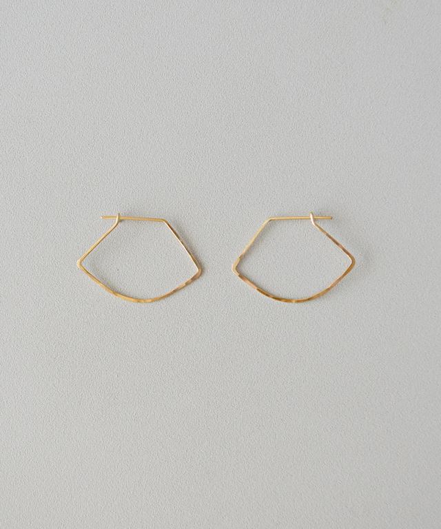 CINQ Curve earrings gold filled