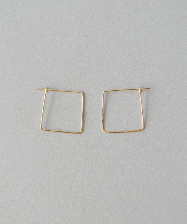 CINQ Big square earrings