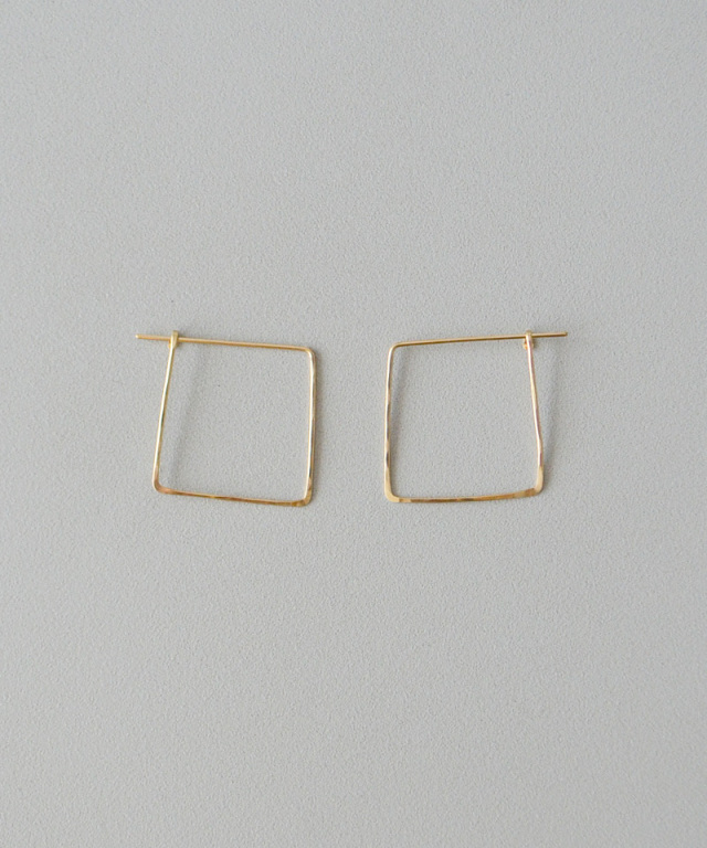 CINQ Big square earrings gold filled