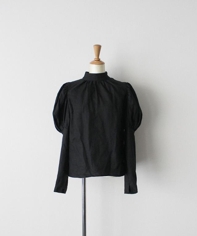 ERiKO KATORi linen puff sleeve blouse BLK