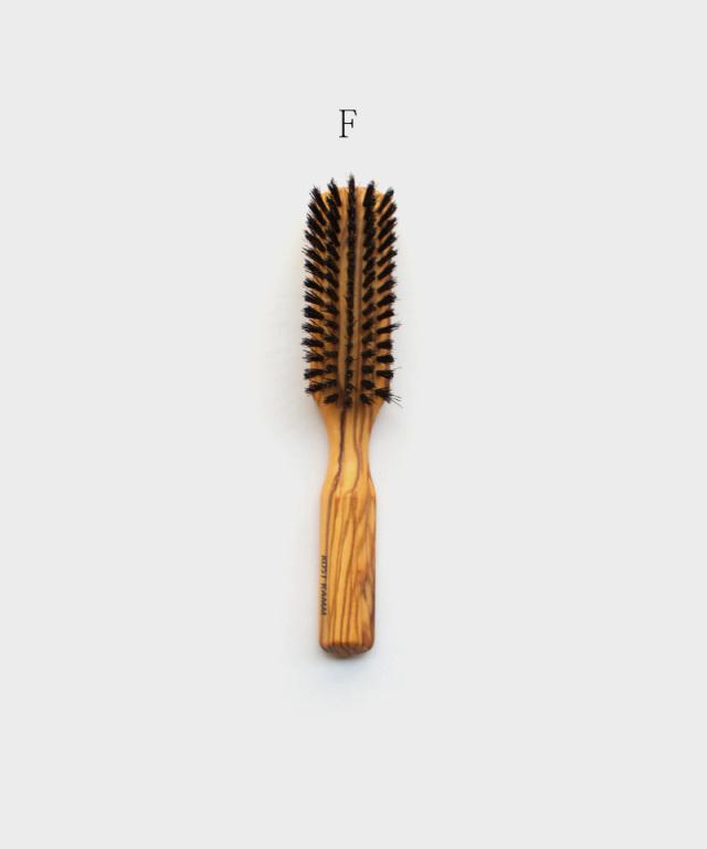 KOST KAMM Wooden brush Olive Wood / stiff black bristle,oval shape, 6 rows / 17.5cm E