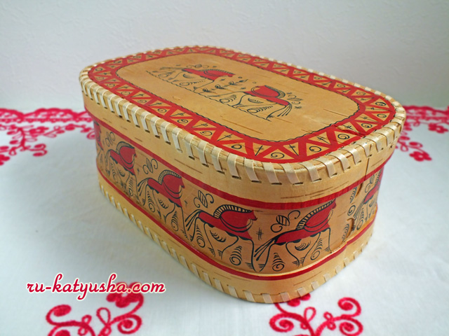 メゼーニ塗りのベレスタの箱☆アルハンゲリスクから【ロシア雑貨のカチューシャ】