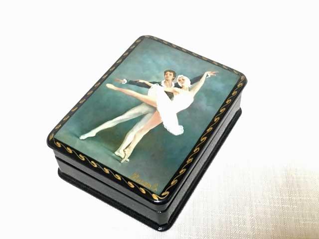 バレエダンサーの箱A☆漆塗りのようなロシアの小箱☆ロシア雑貨