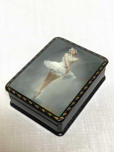 バレリーナの箱C☆漆塗りのようなロシアの小箱☆ロシア雑貨