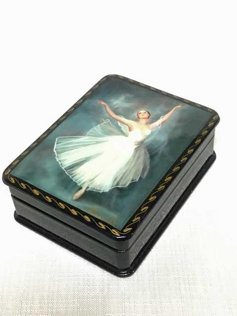 バレリーナの箱D☆漆塗りのようなロシアの小箱☆ロシア雑貨